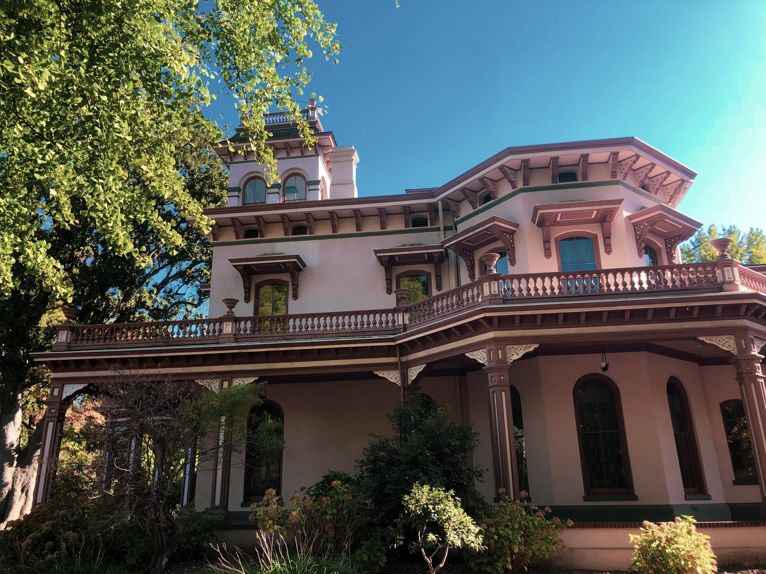 Visting Chico S Bidwell Mansion Fitting In Adventure